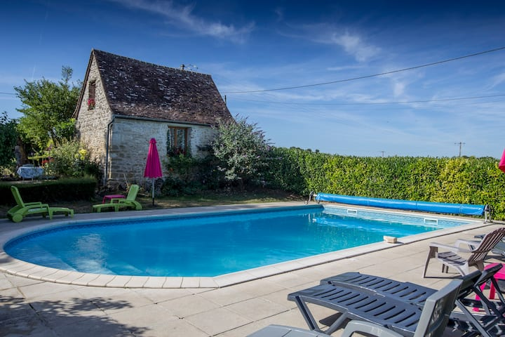 Bread Oven cottage perfect for couples near Loches