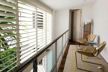 1 room 2nd floor in Historical Home - Rio de Janeiro - House