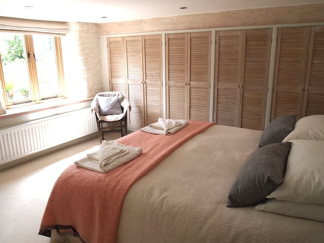Peaceful, Luxury onsuite B&B room 7 mins to Totnes - Dartington - Oda + Kahvaltı