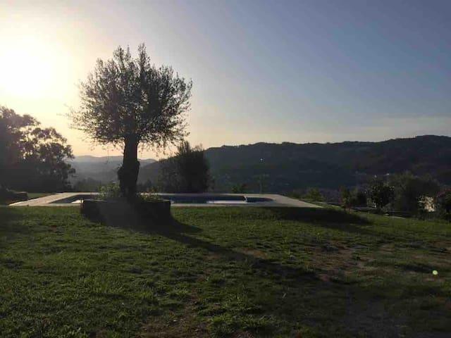 Casa com piscina (vista montanha)