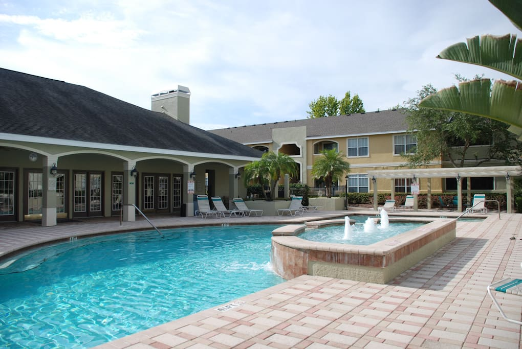 Pool View In A Modern Condo Feel At Home Apartments For Rent In Clearwater Florida United