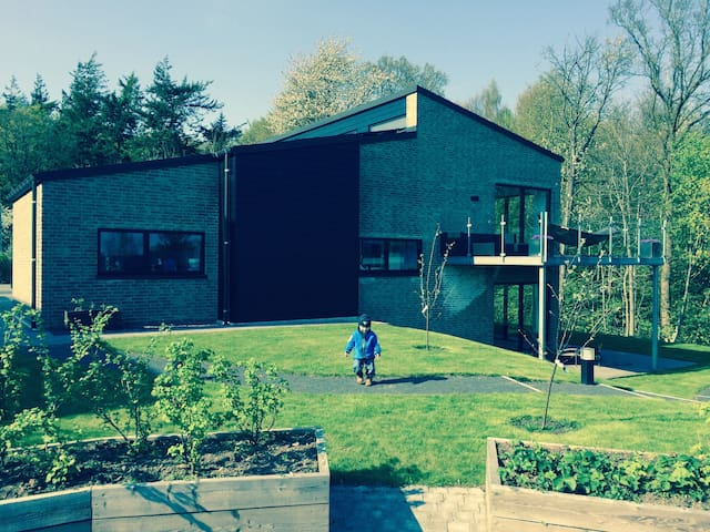 Luxurious villa up to the Marselisborg forest