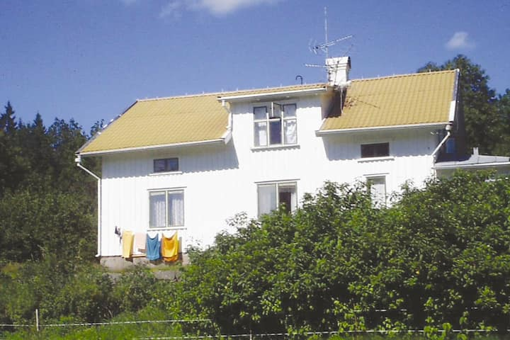 10 person holiday home in AMBJÖRNARP