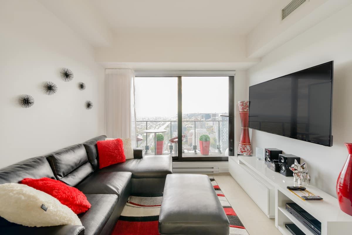 Condo Premium de luxe au 43e étage avec vue panoramique sur MTL - CENTRE BELL