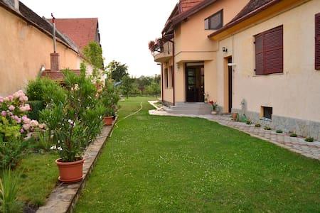 Big Green Garden - Râșnov