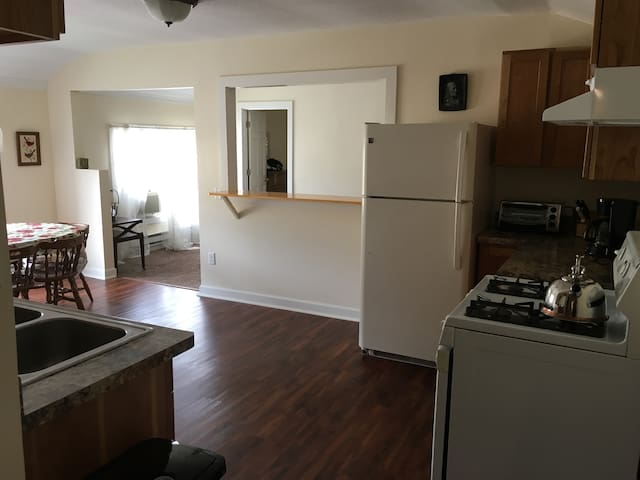 Cheerful Apartment in Downtown Arts District - Kenosha