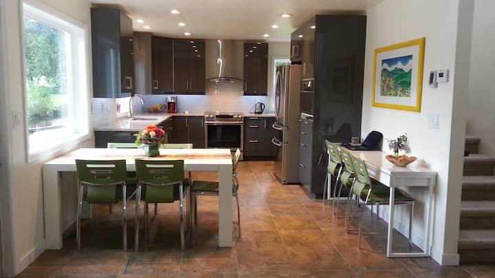 Executive renovated Cain Lake home