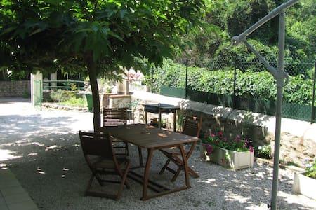 T2 Rdc /Jardin dans Chalet Calme - Vernet-les-Bains