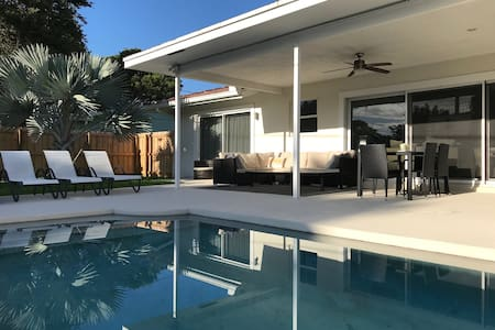 Boca Raton Modern 3 Bedroom with Heated Pool