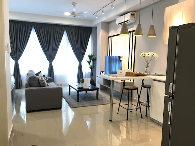 Arte Plus Cosy Premium Studio by Teratak Emalin