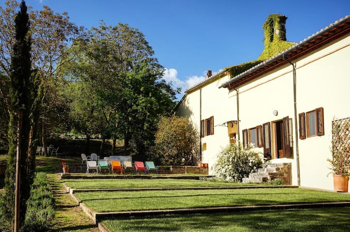 Garden apartment in 1588 convent - Radicofani, Val d'Orcia - 一軒家