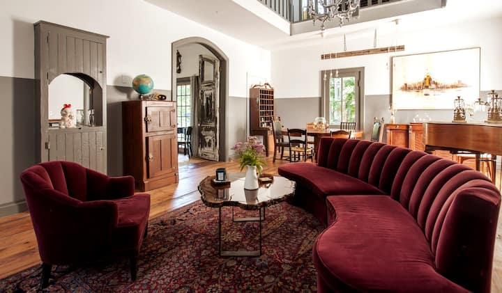 The DeWitt-Historic Creekside 1865 Inn/Short stay