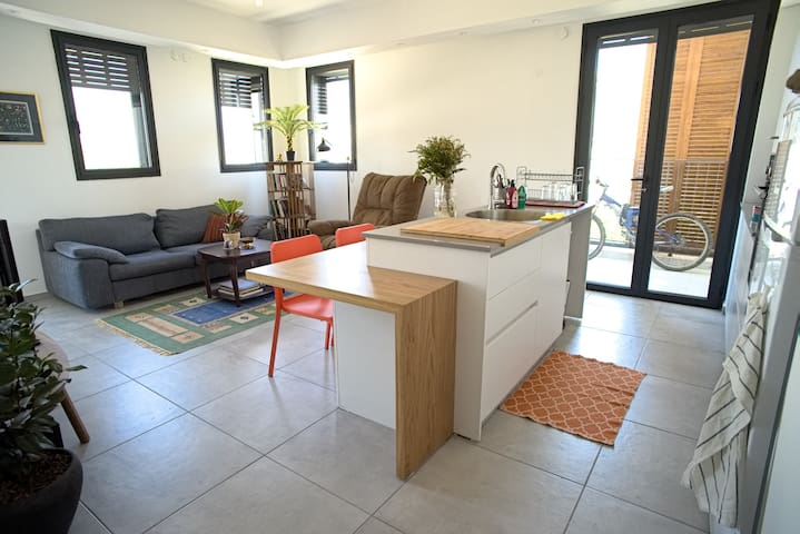 Lovely bright boutique flat in Jaffa-TLV