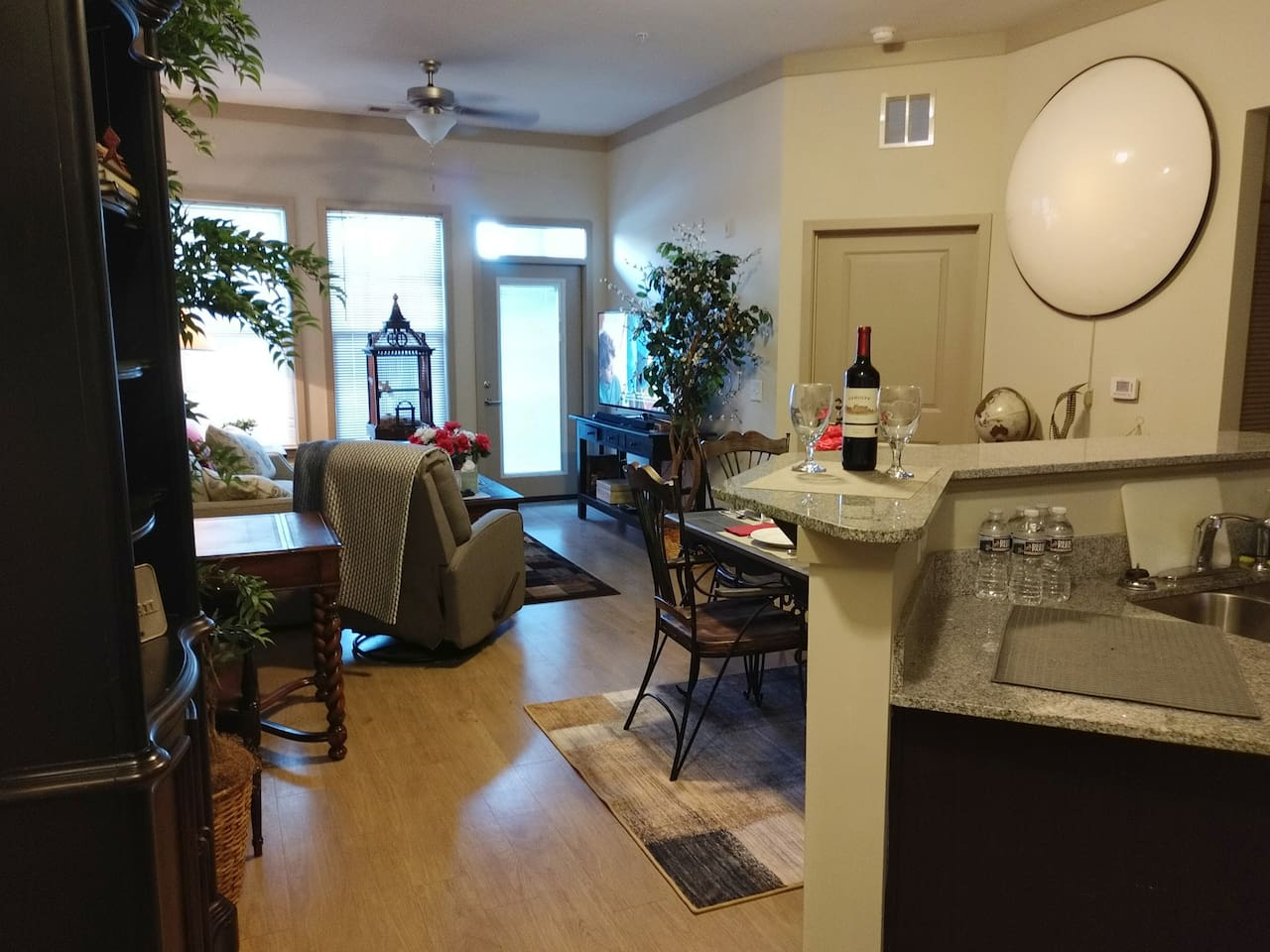 Beautiful Executive Suite..Fully Furnished 1 bdrm first floor..