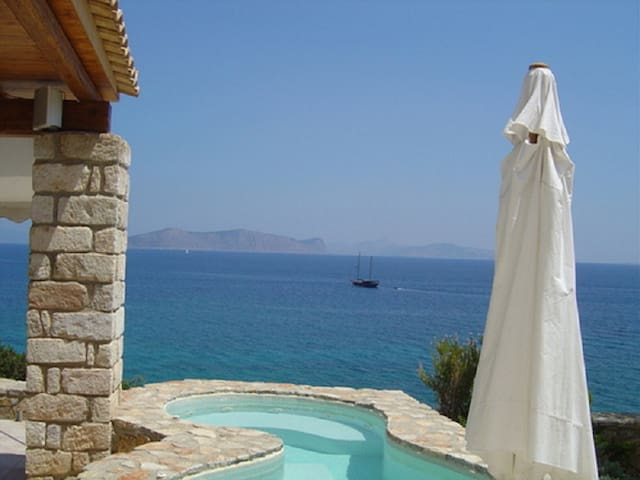 Thalassoporta: Stunning views and a private beach - Aghios Emilianos - Rumah