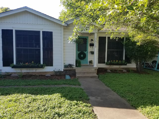 Adorable Waco Home, Near Magnolia and attractions