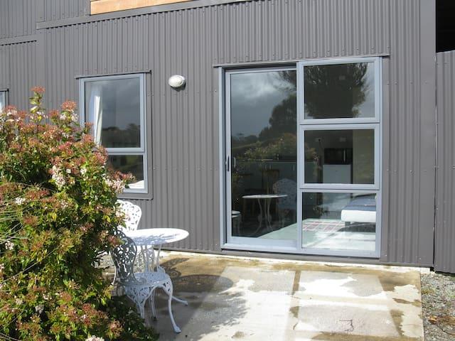 Manapouri Ridge Studio - No cleaning fee