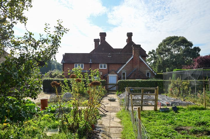 Charming country cottage nr London - Kent - Huis