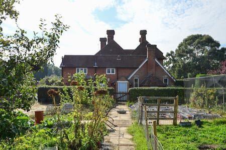 Charming country cottage nr London - Kent - Casa