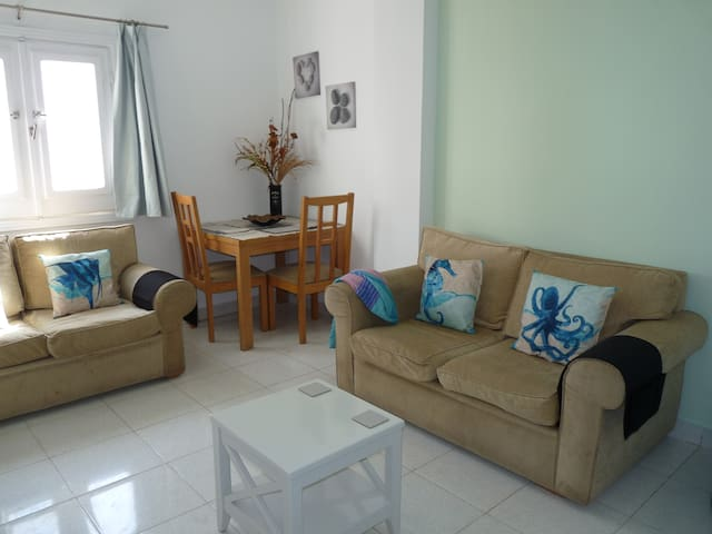 Palm Valley for Divers 1 Bed +2 Pool View Balcony.