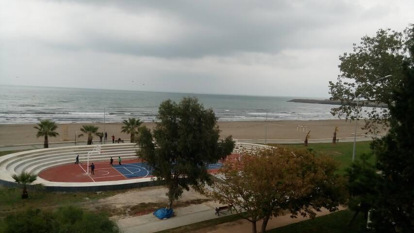 Samsun Atakumda deniz kenarında ...