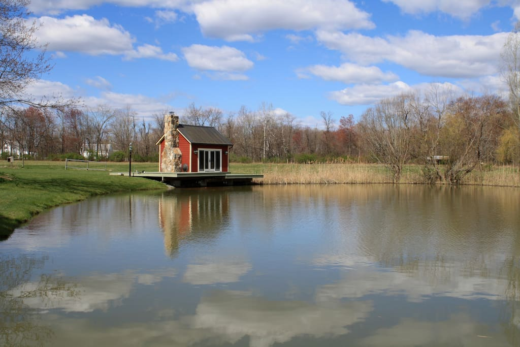 The pond house is a great place for a fire and glass of wine or sit on the dock and feed the fish in the pond