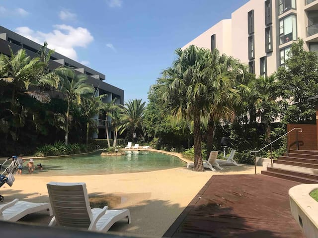 Sydney Zetland private room ShareBath pool spa BBQ