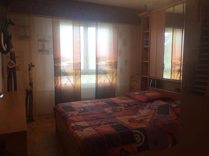 Chambre confortable, proximité lac et transports
