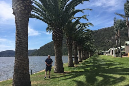 Brand new 2 bedroom Hawkesbury River cabin - Wisemans Ferry - Stuga