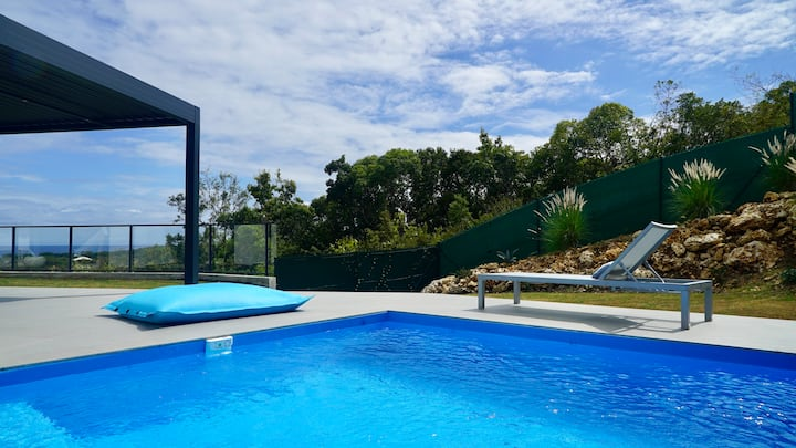 Tropic & Chic : Villa Chuty piscine privée vue mer