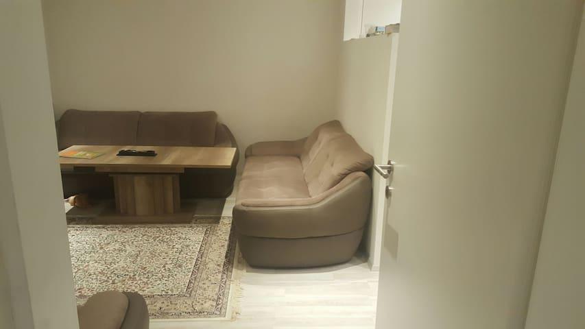 Innsburuck traumhaft private Zimmer - İnnsbruck - Pis