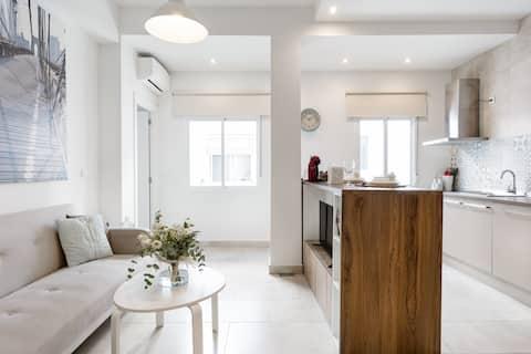Descubre la luz de Málaga desde este apartamento en el Soho