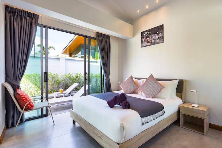Bedroom 2 opening on the terrace