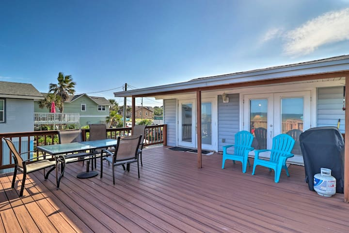 Amelia Island Oceanfront Cottage w/ Deck & Grill!