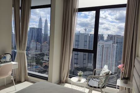 *KLCC View-1 Stylish Studio Room & Rooftop Pool*