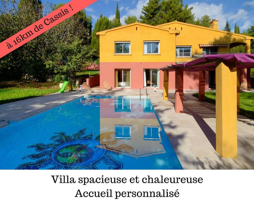 Escale bicolore villa atypique 16km de cassis villas for Villa atypique