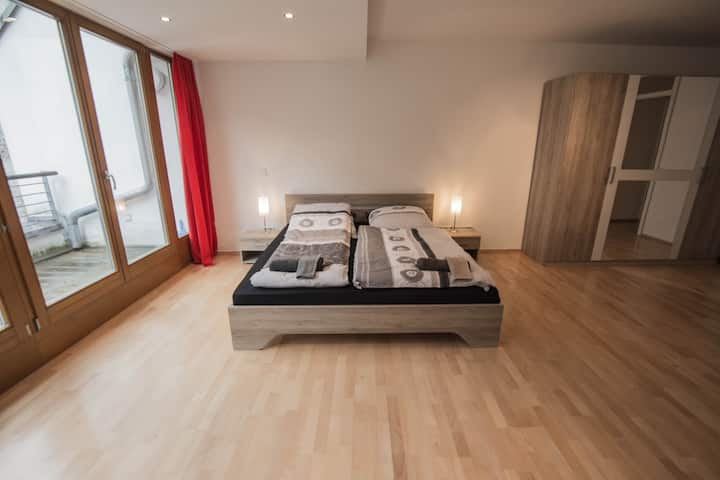 The entire apartment 4 you in the hearth of Berlin