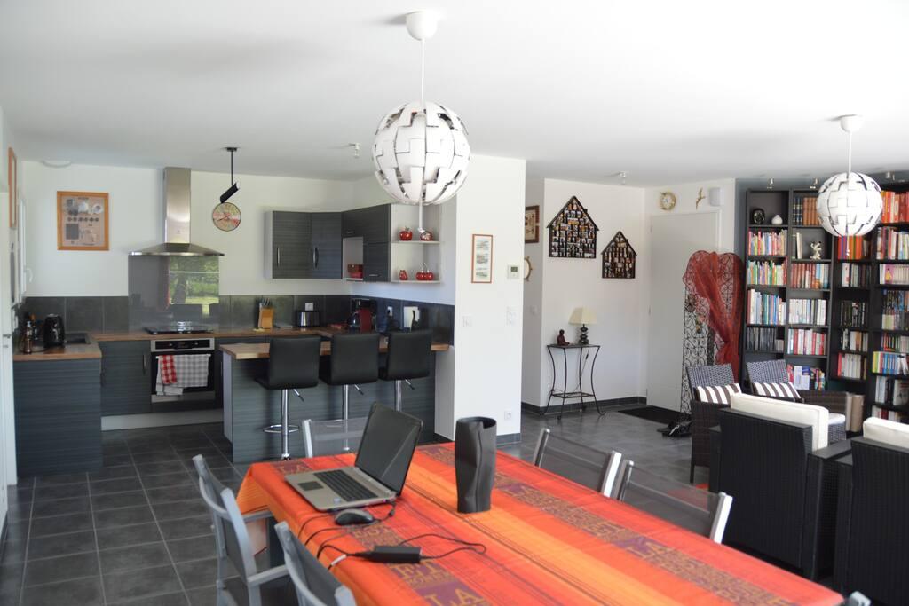 Grand Salon Salle à manger Cuisine ouverte