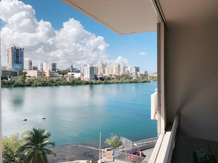 Wonderful apartment in Condado with Lagoon view!