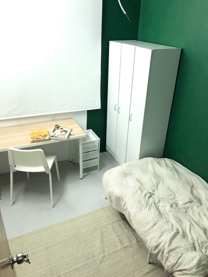 Comfort aircond room near UTAR Sungai Long