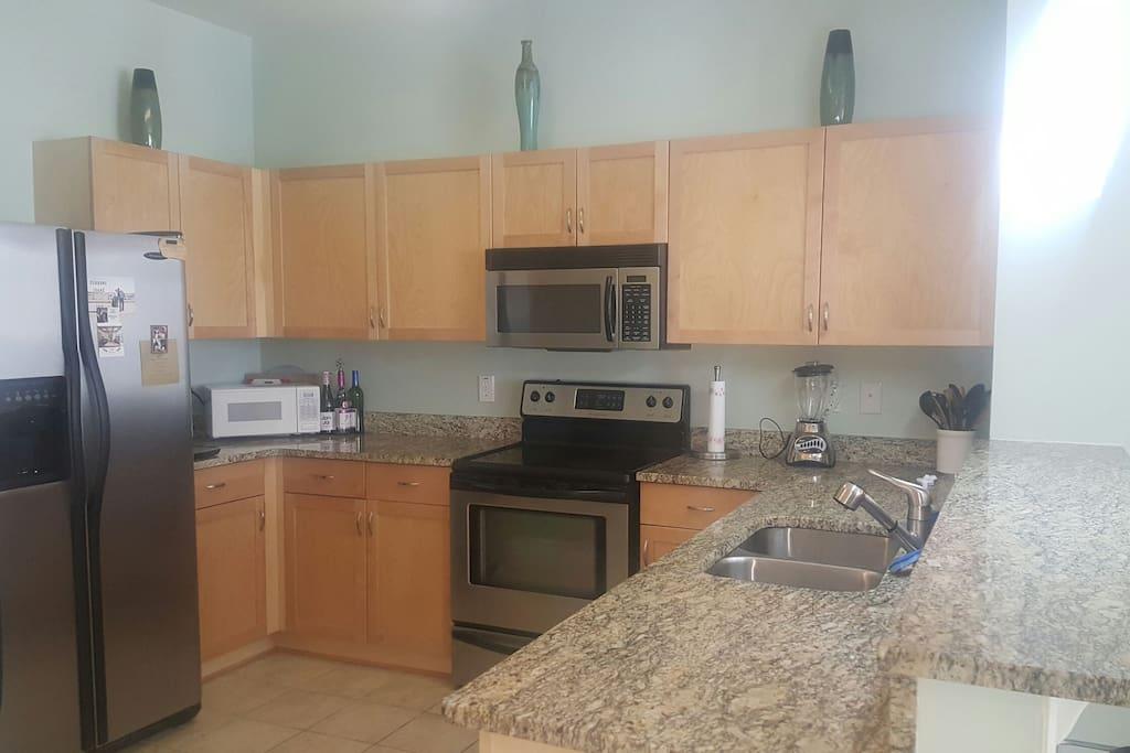 Full access to kitchen amenities