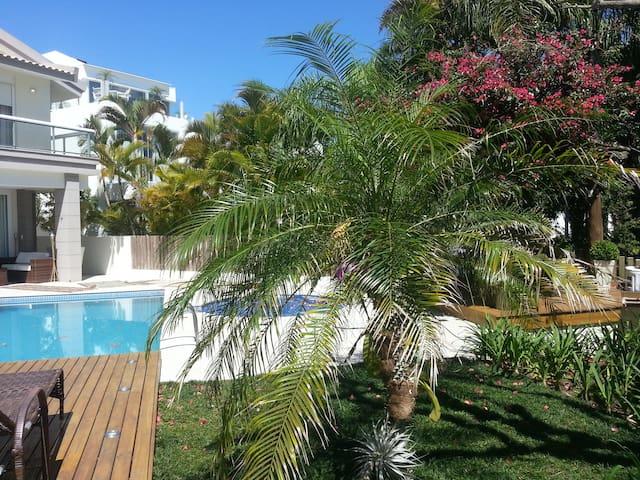 Magnífica residência à beira mar - Jurerê - Casa