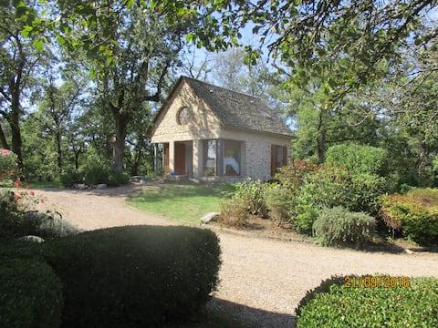 La Belle Dame Newly-Renovated Gite in Rural Region