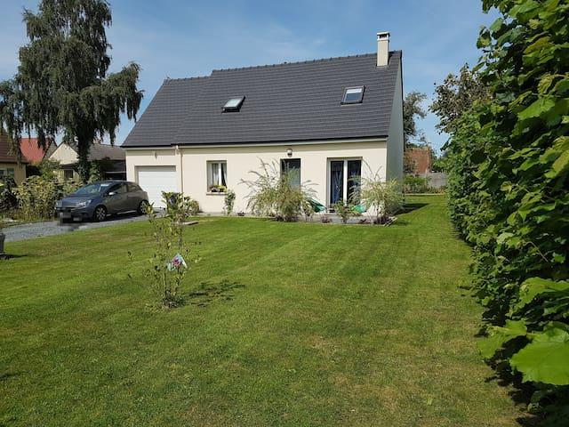 Chambre privée dans maison à Lieuvillers