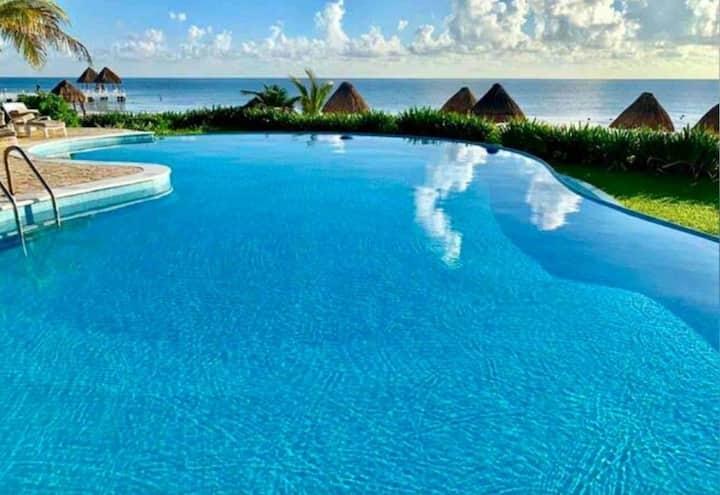 Villa2 Deluxe Beachfront with Pool Puerto Morelos