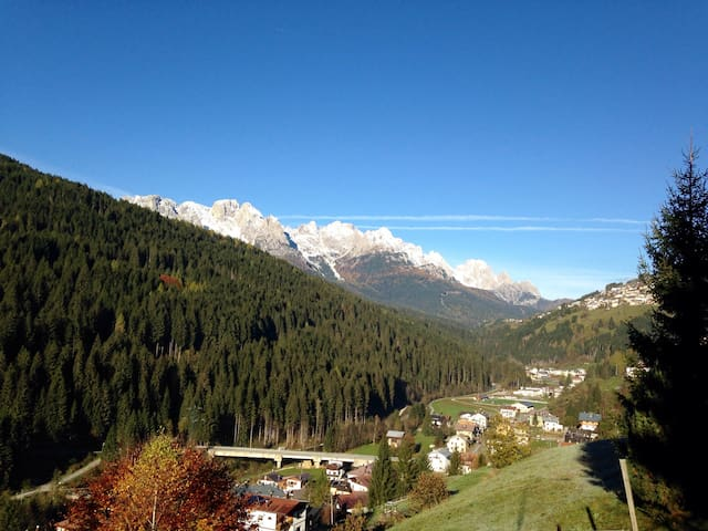 In the middle of the DOLOMITI - Santo Stefano di Cadore - Huoneisto