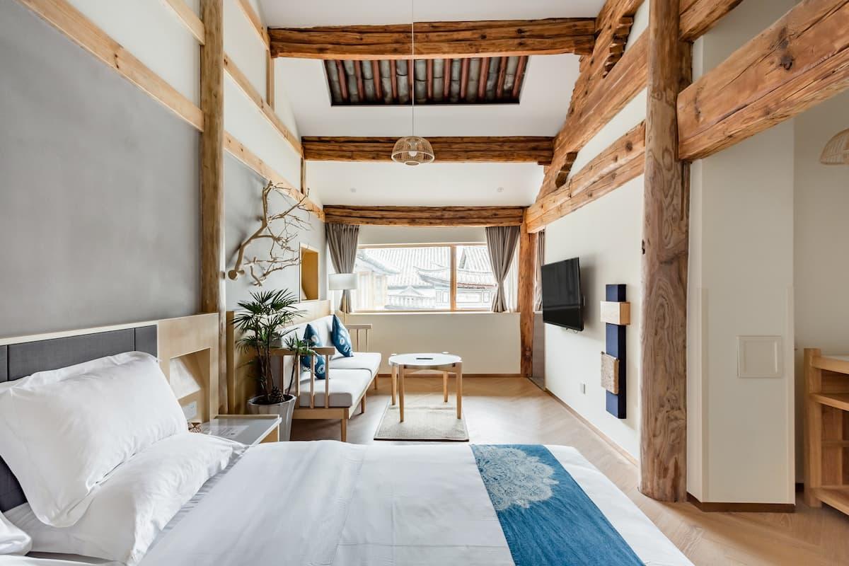 『万境故园』Airbnb最佳房源设计奖丨轻盈蓝染大床房