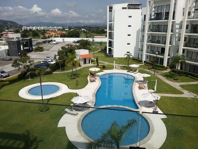 Departamento en Club de Golf Paraiso - Temixco - Apartmen