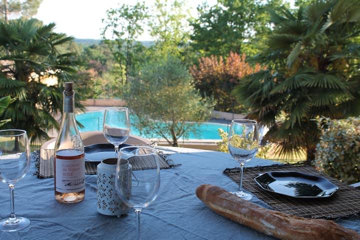 Villa au calme avec piscine dans le Périgord