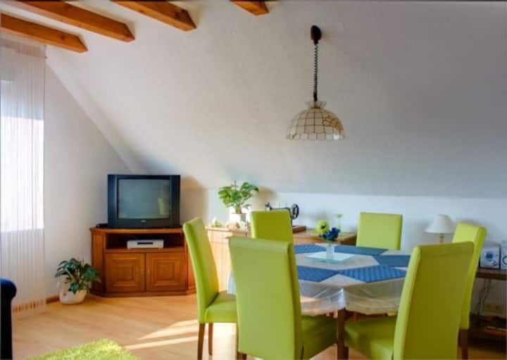 Haus Wehrle, (Breisach-Hochstetten), 4-Sterne Ferienwohnung, 65qm, 1 Schlafzimmer, max. 2 Personen